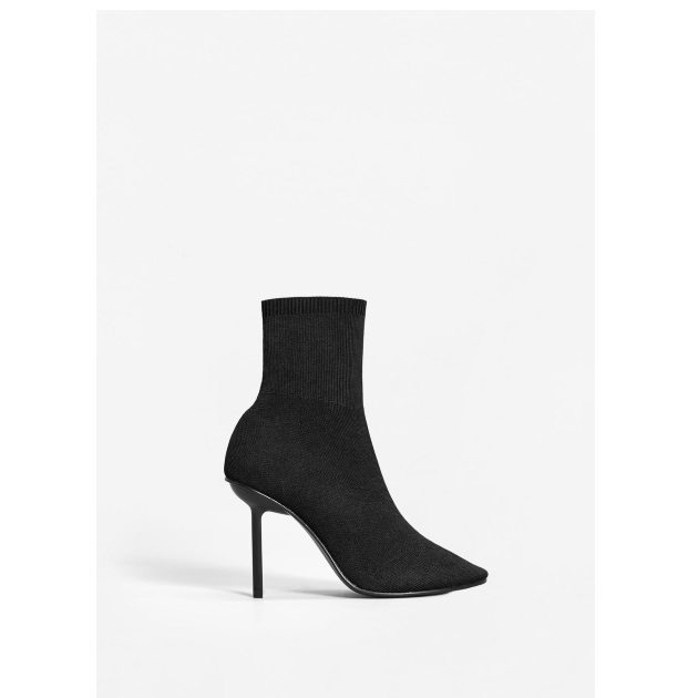 10 | Ankle boot Mango