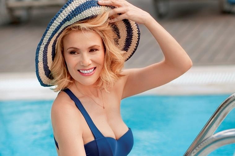 Κωνσταντίνα Μιχαήλ: Η αισθησιακή πόζα στα 51! [pics] | tlife.gr