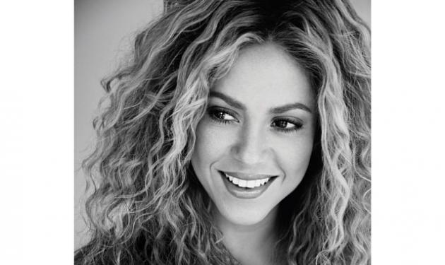 Shakira: Δες τον Gerard Pique να της κρατά τρυφερά την κοιλιά της! | tlife.gr
