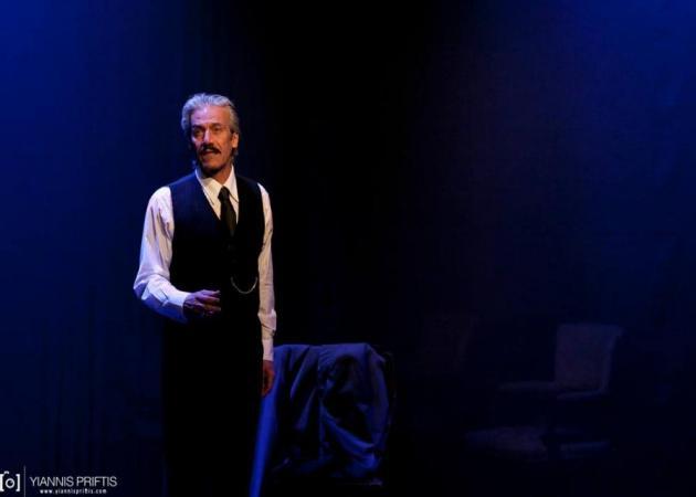 Θεόφιλος Βανδώρος: Η έκκληση του ηθοποιού για βοήθεια – Προσπαθεί να σώσει τον άρρωστο πατέρα του | tlife.gr