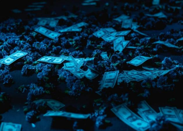 Αυτό είναι το νυχτερινό κέντρο που «ρέει» το χρήμα επί σκηνής! | tlife.gr