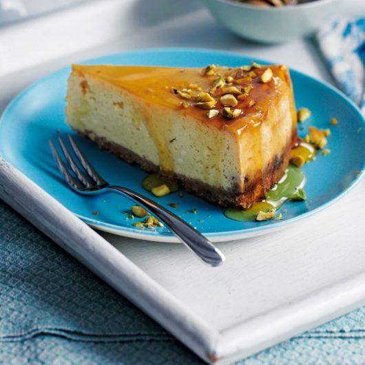 Cheesecake μελιού με μελομακάρονα   tlife.gr