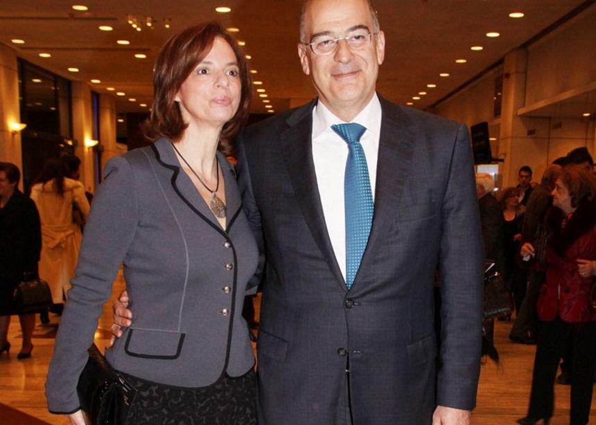 Νίκος Δένδιας: Γνώρισα τη γυναίκα μου όταν ήρθε να της βγάλω το… διαζύγιο | tlife.gr