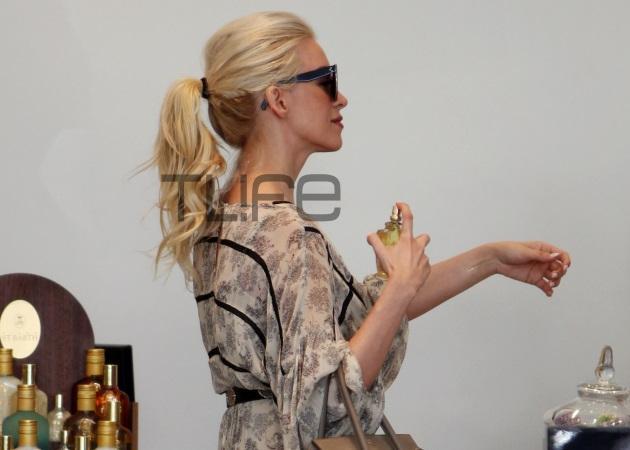 Κατερίνα Καινούργιου: Με chic αέρινο μάξι φόρεμα για ψώνια στη Γλυφάδα! | tlife.gr