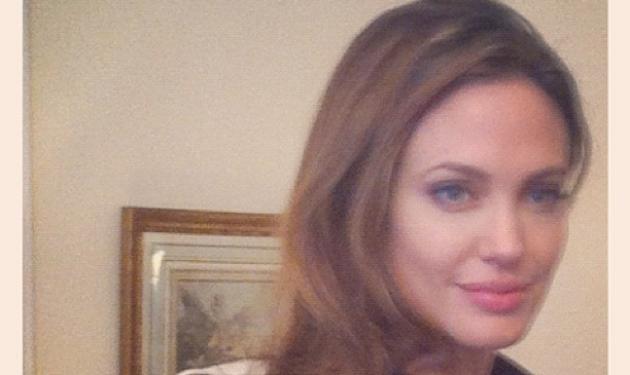 Ποιος Έλληνας παρουσιαστής βρέθηκε σήμερα δίπλα στην Αngelina Jolie;