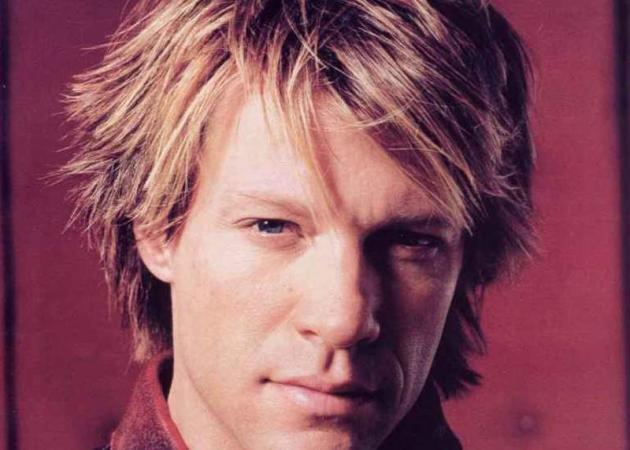 Αγνώριστος αλλά… κορμάρα ο Jon Bon Jovi στα 54! [pics] | tlife.gr