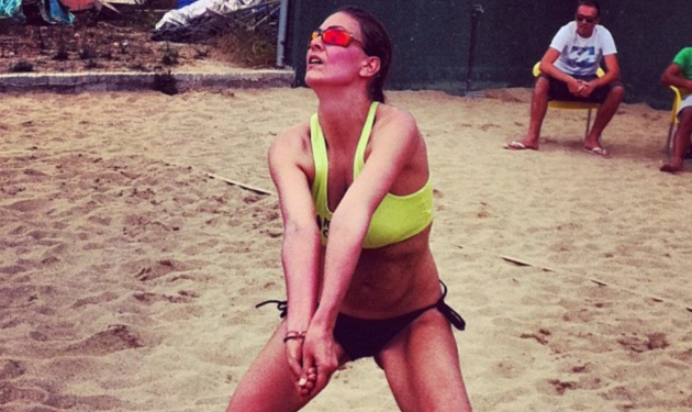 H Δέσποινα Καμπούρη παίζει beach volley! Δες φωτογραφίες | tlife.gr