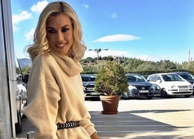 Βάσω Κολλιδά: Βόλτες με τον σύζυγό της και την κόρη τους!   tlife.gr