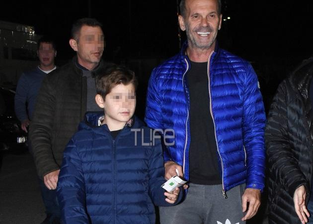 Πέτρος Κωστόπουλος: Στο γήπεδο με τον γιο του [pics]
