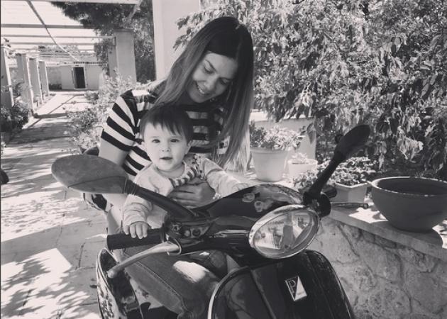 Κατερίνα Μουτσάτσου: Το ταξίδι της επιστροφής με τον γιο της και η αδυναμία που του έχει! [pics,vid] | tlife.gr