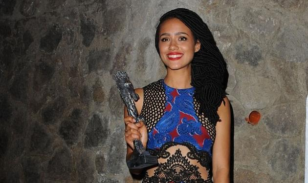 Nathalie Emmanuel: Η σταρ του Game Of Thrones αποκαλύπτει το καλλίγραμο σώμα της με μπικίνι | tlife.gr