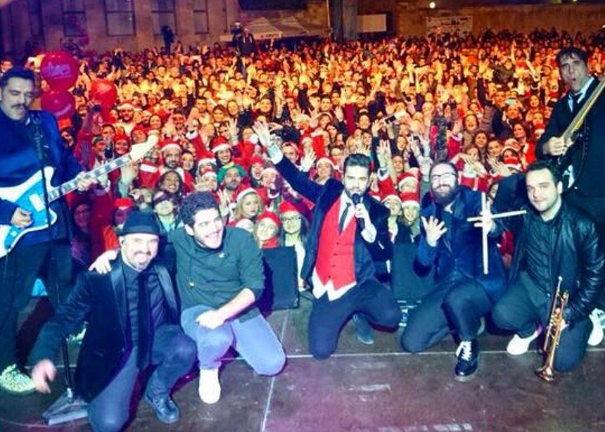 Χριστουγεννιάτικη πρόταση γάμου σε συναυλία των Onirama [vid] | tlife.gr
