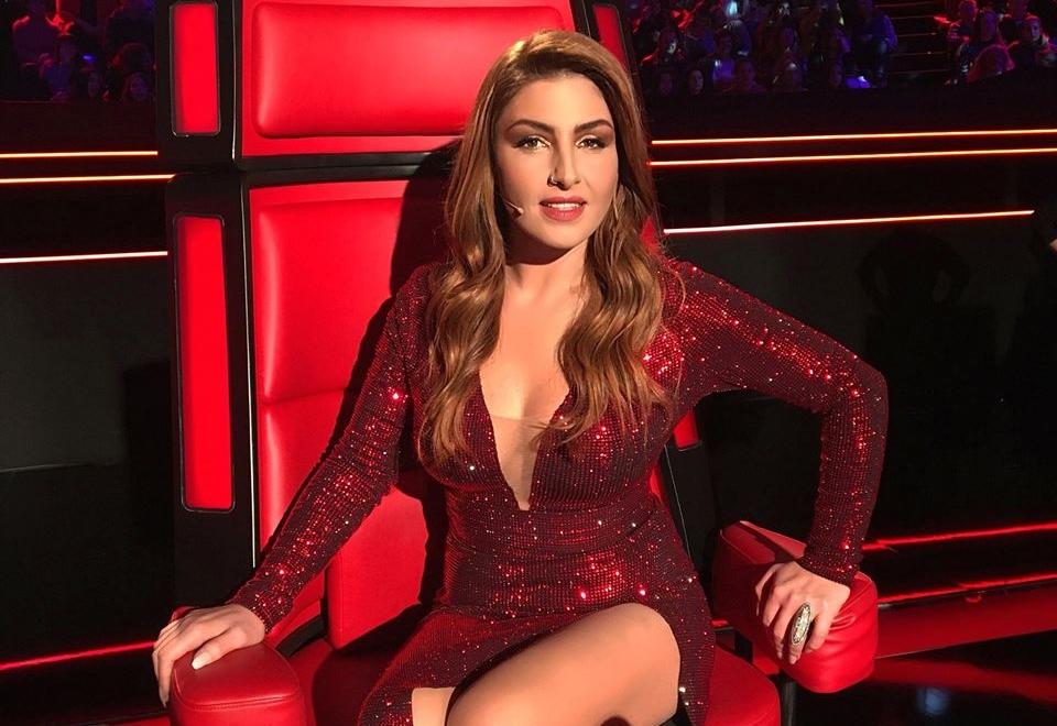 Έλενα Παπαρίζου: Ανέβασε το θερμόμετρο στα ύψη με τη σέξι εμφάνισή της στο Voice! | tlife.gr