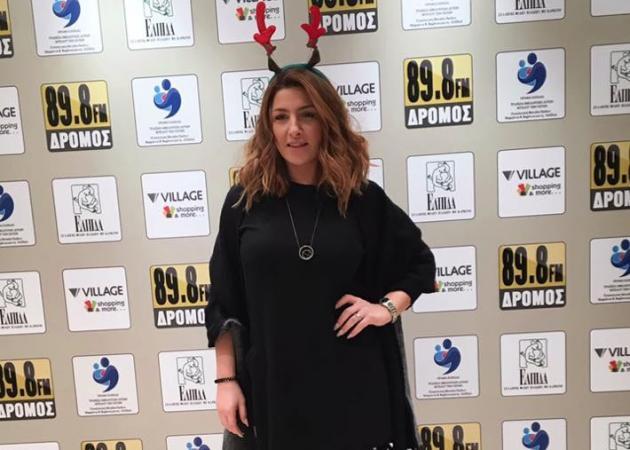 Έλενα Παπαρίζου: Ερμηνεύει unplugged το νέο της τραγούδι [vid] | tlife.gr