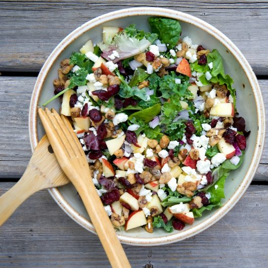 Πράσινη σαλάτα με γέμιση γαλοπούλας | tlife.gr