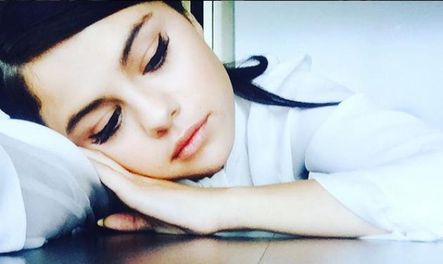 Selena Gomez: Εξηγεί γιατί αποφάσισε να φωτογραφηθεί topless για το νέο της album
