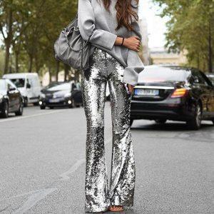 Ένας σούπερ τρόπος να κάνεις το sequin παντελόνι σου… casual!