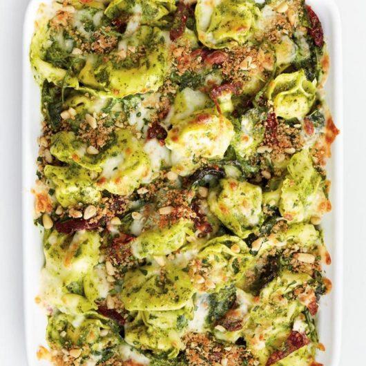 Τορτελίνι φούρνου με πέστο kale   tlife.gr