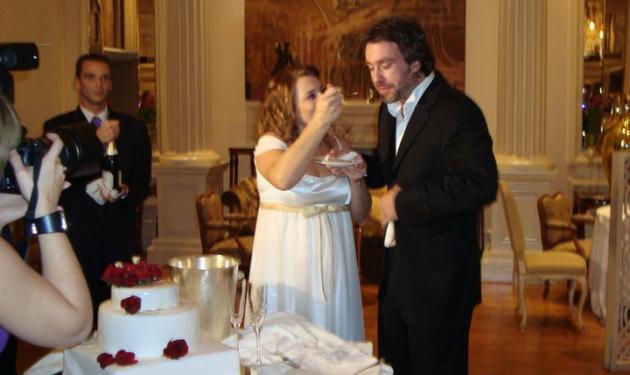 Παντρεύτηκαν χθες Τουμασάτου- Σταύρου. Δες φωτογραφίες! | tlife.gr