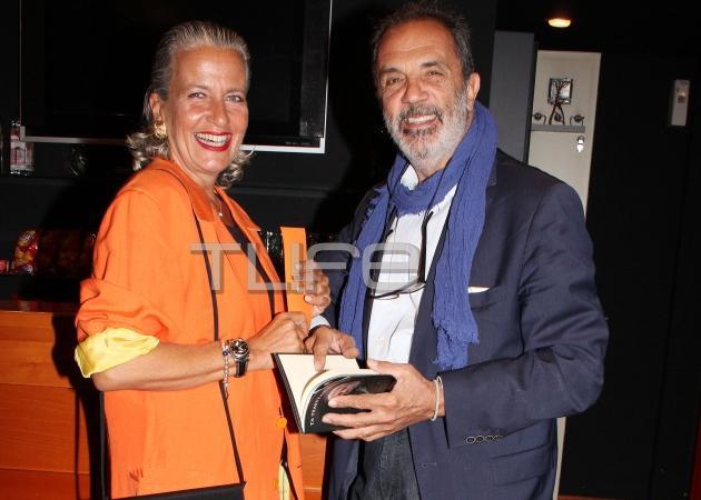 Λουκία Παπαδάκη: Σπάνια εμφάνιση με τον αγαπημένο της «Μr MontBlanc»! [pics] | tlife.gr
