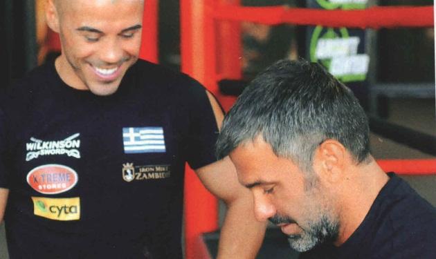 Σ. Χαριτάτος: Στον ρίνγκ με τον Μιχάλη Ζαμπίδη!   tlife.gr