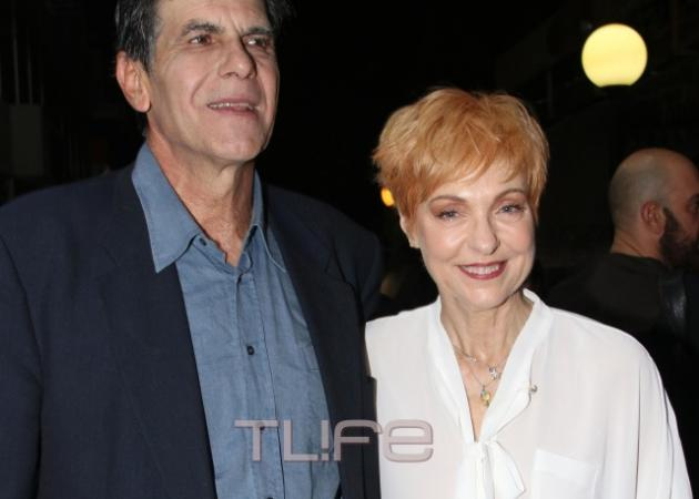 Γιάννης Μπέζος: Έκανε πρεμιέρα με την σύζυγό του, Ναταλία Τσαλίκη, στο πλευρό του!