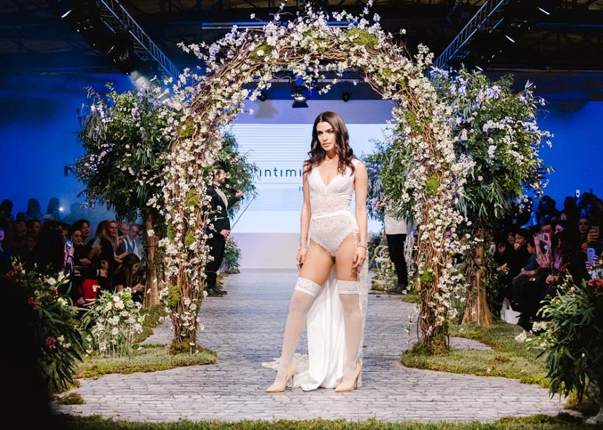 Το bridal catwalk της INTIMISSIMI σε ένα παραμυθένιο σκηνικό   tlife.gr