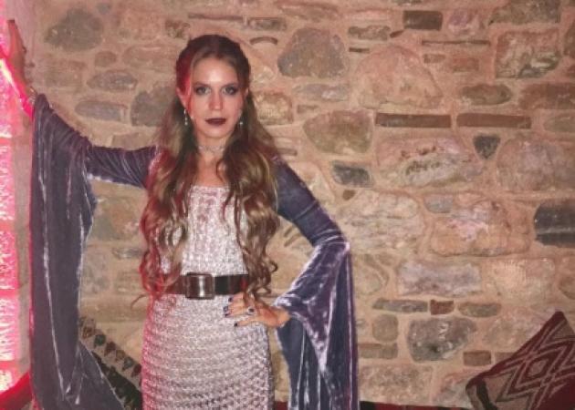 """Ευγενία Νιάρχου: Αγνώριστη σε πάρτι """"βγαλμένο από το Μεσαίωνα""""… στα Σπάτα! [pics]"""