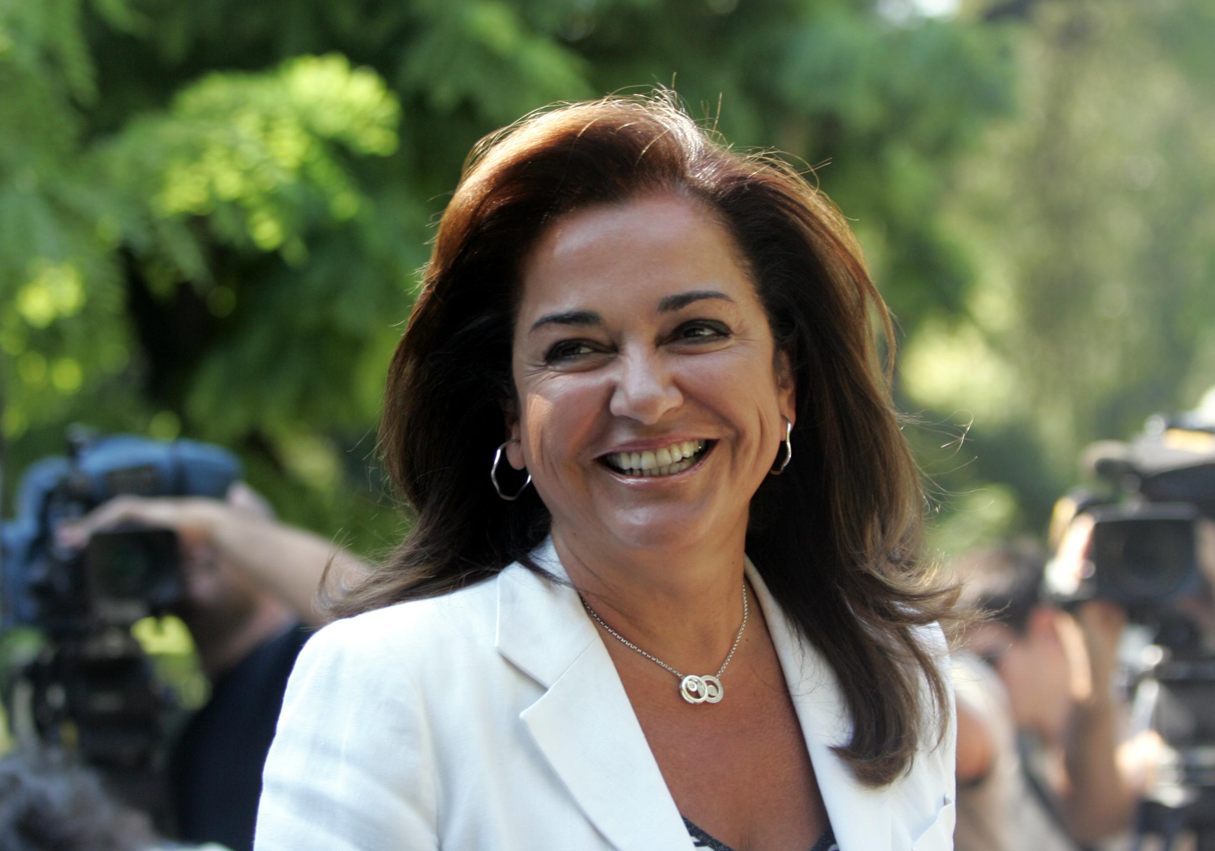 Ντόρα Μπακογιάννη: Τι της συνέβη μετά από πολλά χρόνια και είναι χαρούμενη; | tlife.gr