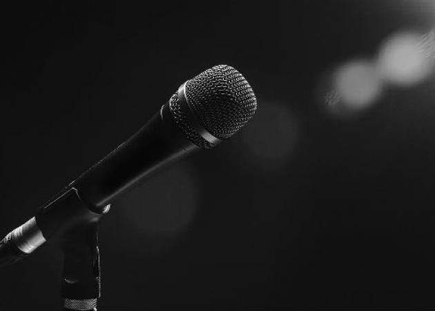 Έλληνας τραγουδιστής άφησε την πίστα για να γίνει… ταξιτζής! | tlife.gr