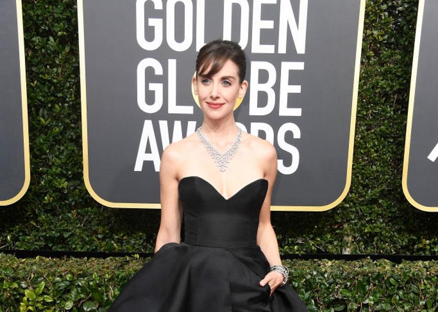 Alison Brie: Ποιον Έλληνα σχεδιαστή επέλεξε στο κόκκινο χαλί των Golden Globes; | tlife.gr