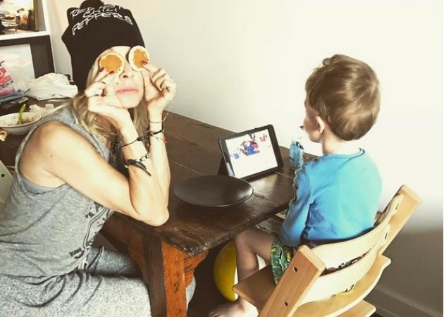Άννα Βίσση: Τα παιχνίδια με τον εγγονό της και η συναυλία που απόλαυσε με την κόρη της στη Νέα Υόρκη!