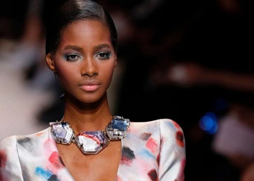 c4c02d6c3c60 Armani Privé – Givenchy  Οι δύο μεγάλοι οίκοι παρουσίασαν τις Couture  συλλογές τους