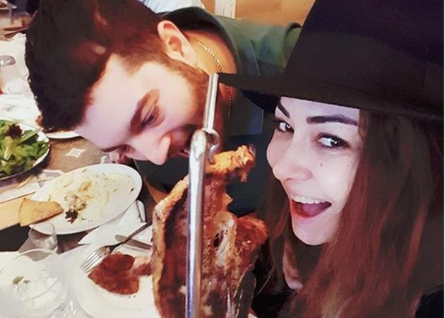 Μελίνα Ασλανίδου: Έξοδος με τον σύντροφό της [pics]
