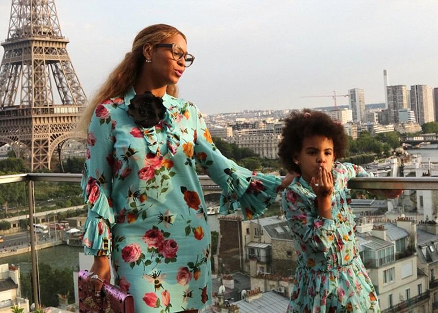 Η τσάντα που κράτησε η κόρη της Beyonce κοστίζει περισσότερο και από το αμάξι σου (ίσως) | tlife.gr