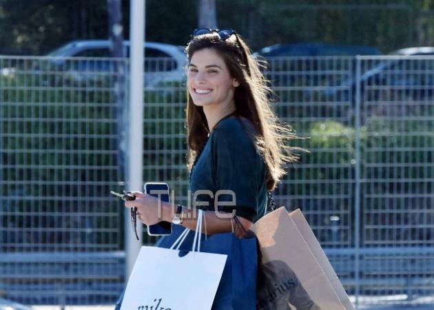 Χριστίνα Μπόμπα: Βόλτα στα μαγαζιά, χωρίς τον Σάκη Τανιμανίδη! [pics] | tlife.gr