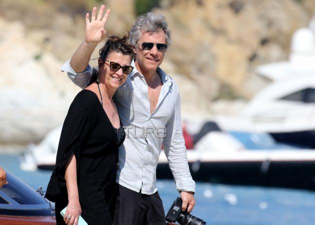 Jon Bon Jovi: Νέες φωτογραφίες από τις διακοπές του στην Ελλάδα! [pics] | tlife.gr
