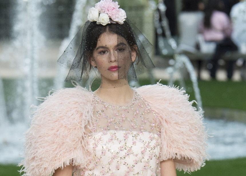 Το εντυπωσιακό Couture show της Chanel στο βοτανικό κήπο του Παρισιού | tlife.gr
