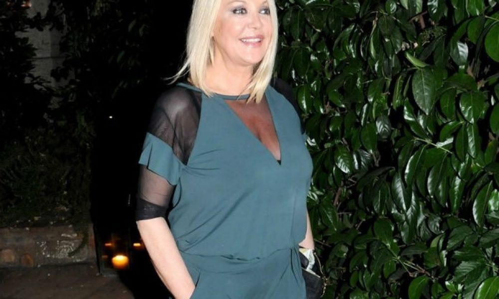 Ρούλα Κορομηλά: Βραδινή έξοδος με την Σταματίνα Τσιμτσιλή και άλλες γνωστές παρουσιάστριες! [pics] | tlife.gr