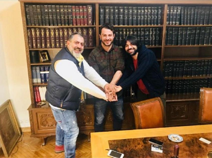 Γιώργος Αγγελόπουλος: Μπαίνει στο Τατουάζ του Alpha! Υπέγραψε με τον Ανδρέα Γεωργίου [pics] | tlife.gr