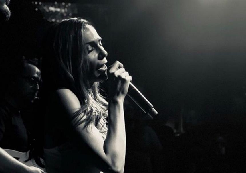 Δέσποινα Βανδή: Η επανεμφάνισή της σε μουσική σκηνή! [pics] | tlife.gr