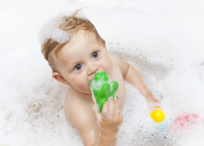 Τα βρεφικά παιχνίδια μπάνιου μπορεί να μουχλιάσουν! Δες πώς καθαρίζονται! | tlife.gr