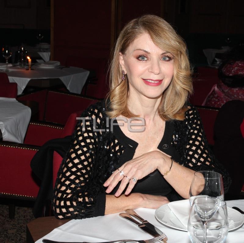 Έλλη Στάη: Chic εμφάνιση σε βραδινή έξοδο! [pics] | tlife.gr