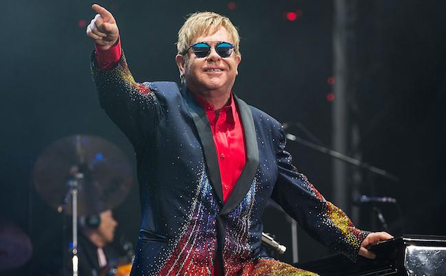 Elton John: Σταματά τις περιοδείες του! | tlife.gr