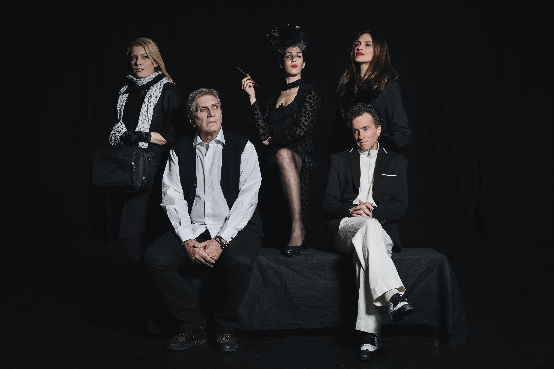 Ο Κώστας Μπίγαλης και η παράσταση Πέντε, επιστρέφουν στο θέατρο! | tlife.gr