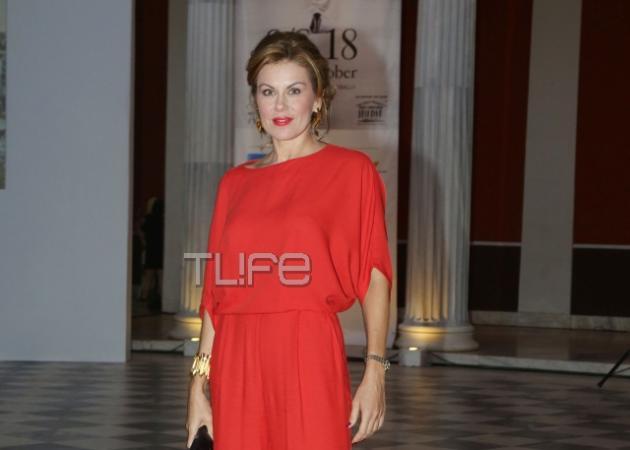 Ευγενία Μανωλίδου: Εντυπωσίασε για άλλη μια φορά ντυμένη στα κόκκινα! [pics] | tlife.gr