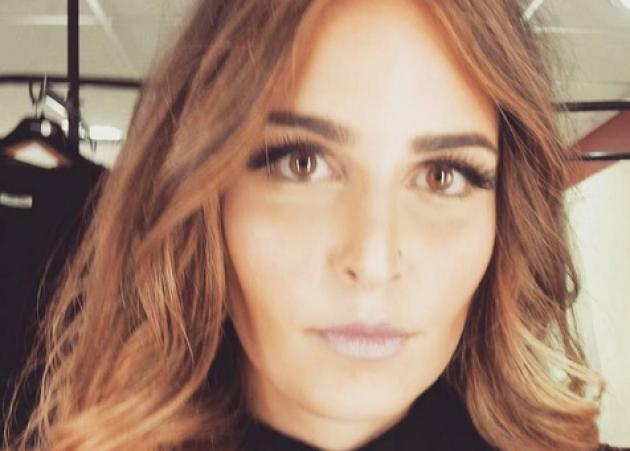 Εβελίνα Νικόλιζα: Η κόρη της Μπέσσυς Αργυράκη τραγουδά με πάθος και με ανανεωμένο look! [vid]