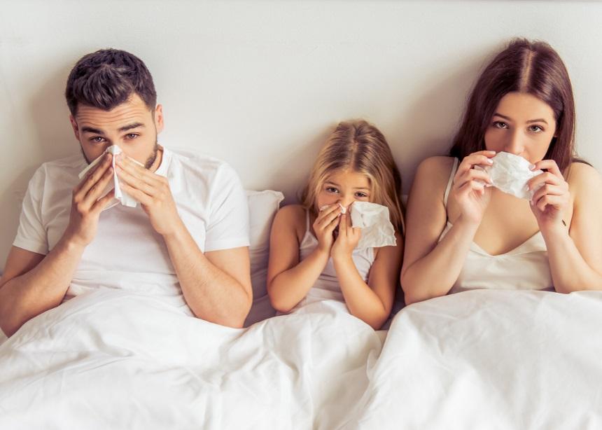 Κρύο, καιρός για… κρύωμα: 9 φυσικοί τρόποι να καταπολεμήσεις τις ιώσεις στο σπίτι | tlife.gr