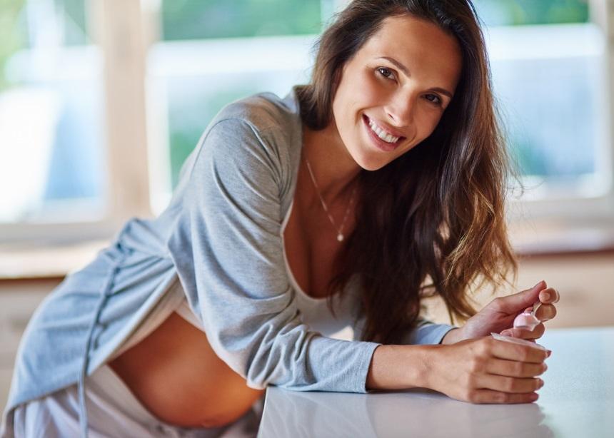 Πώς θα παραμείνεις θετική και αισιόδοξη κατά τη διάρκεια της εγκυμοσύνης;