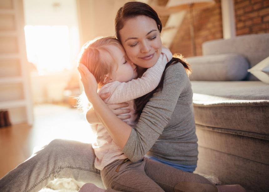 Hygge: Πώς να διατηρήσεις «ζωντανή» την οικογενειακή θαλπωρή στο σπίτι | tlife.gr